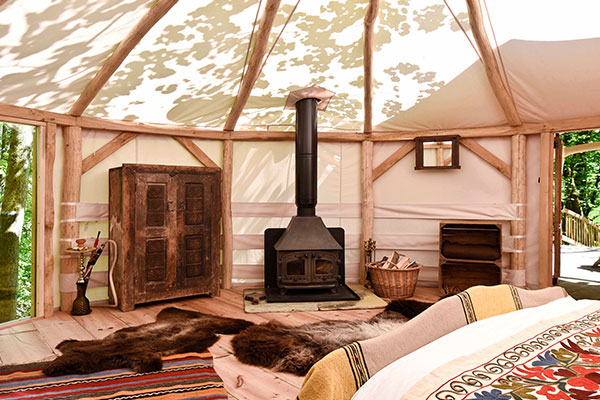 far-out-yurt-page